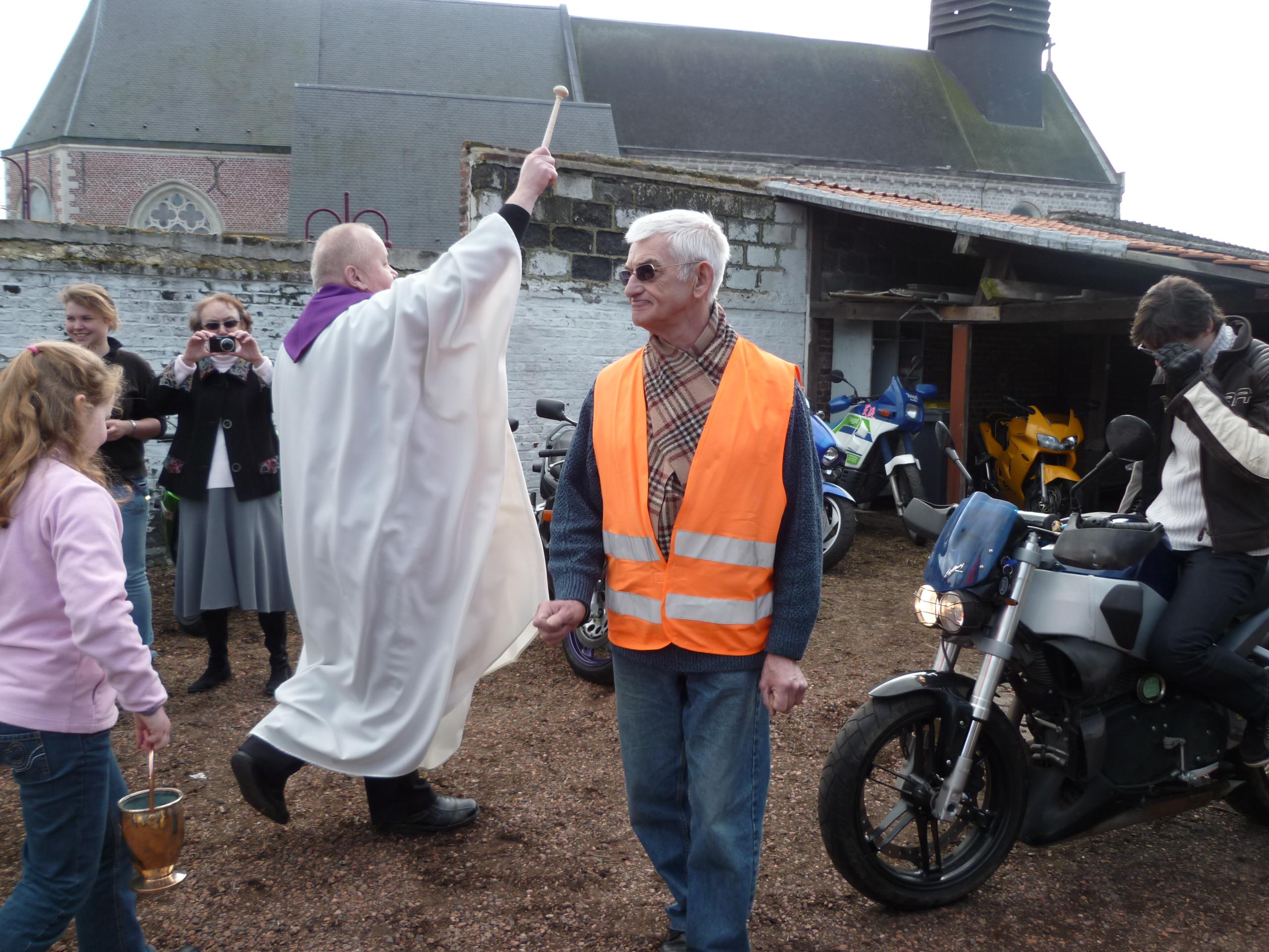Pecquencourt salon de la moto 2012 for Salon de pecquencourt