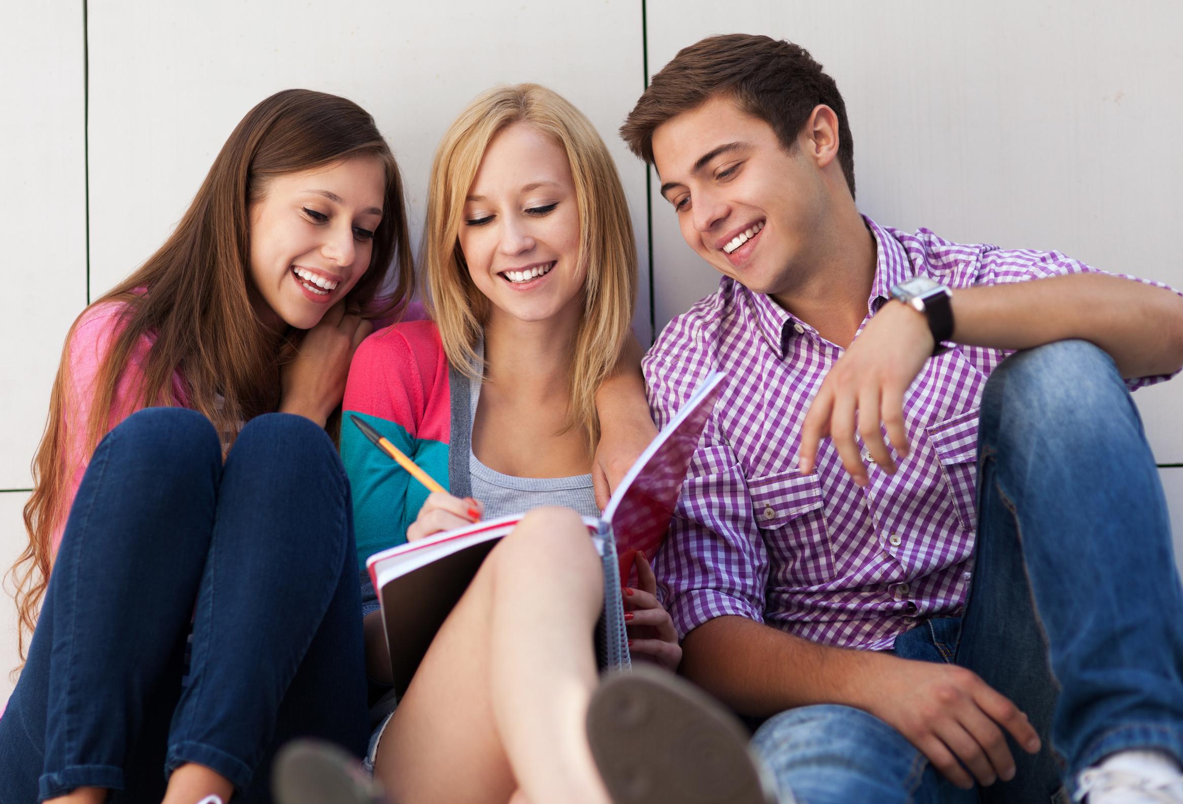 Студентки и молодые
