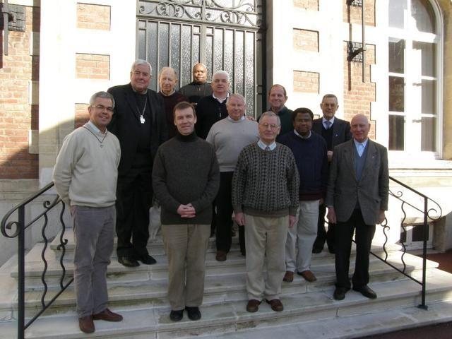Les prêtres Fidei donum avec Mgr GARNIER et le Père JMarie LAUNAY, délégué à la Coopération Missionnaire