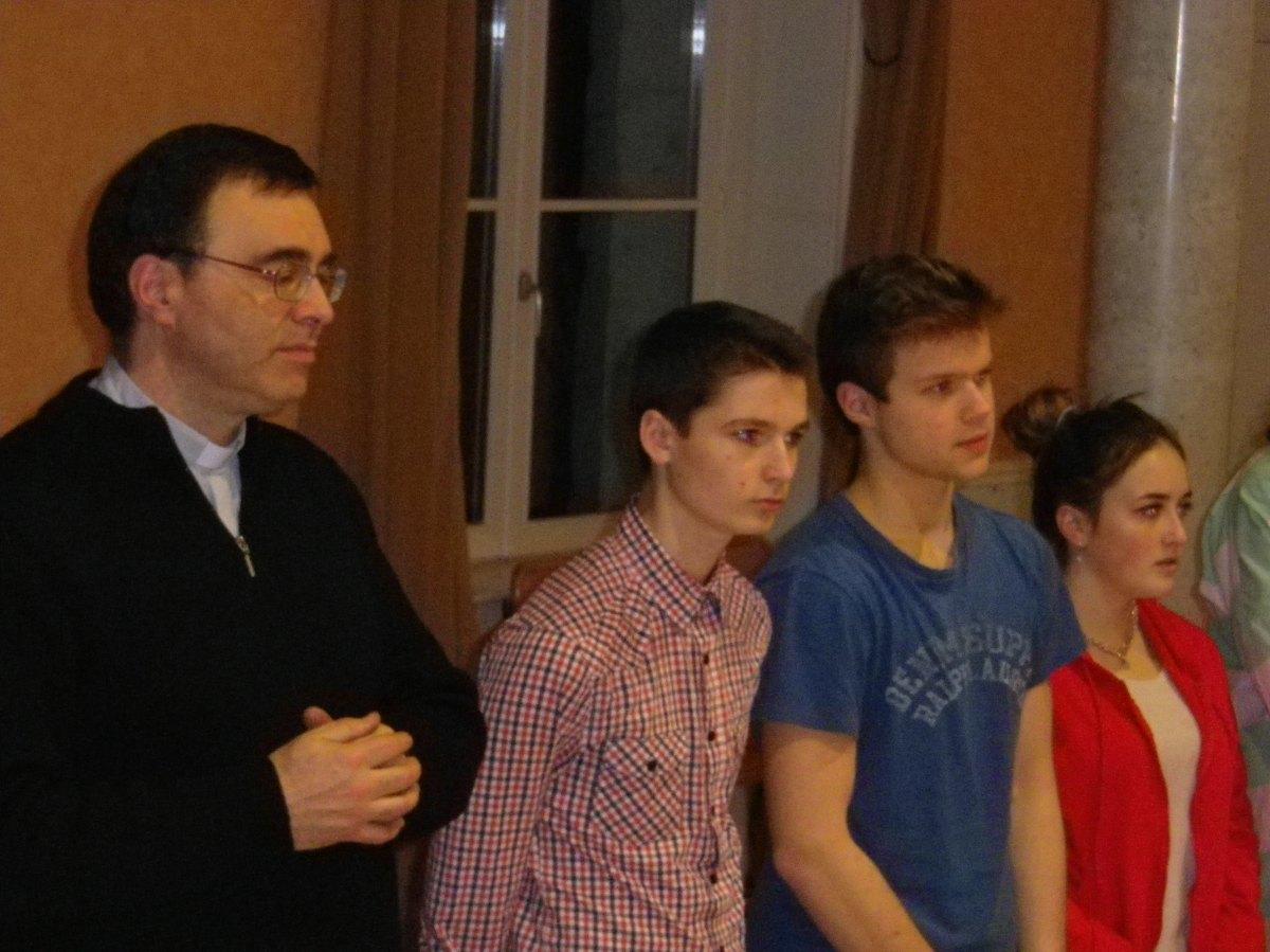 006- Les jeunes et l'abbe Eric Boutrouille