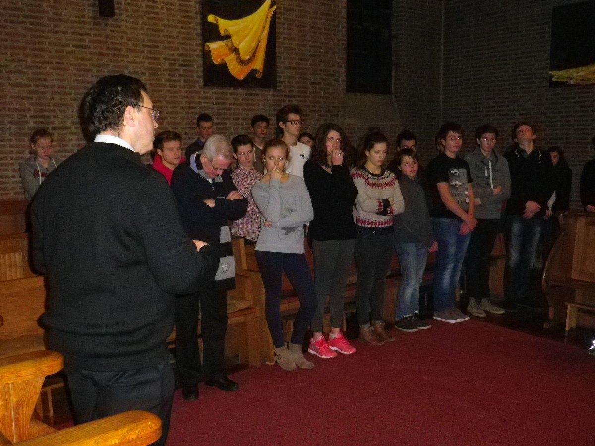 013- Priere du soir a la Chapelle