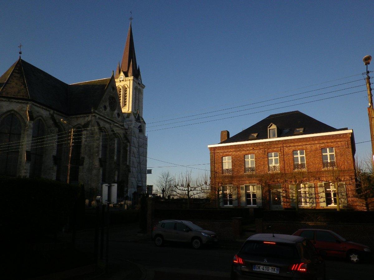 038- L'eglise et l'ancien presbytere