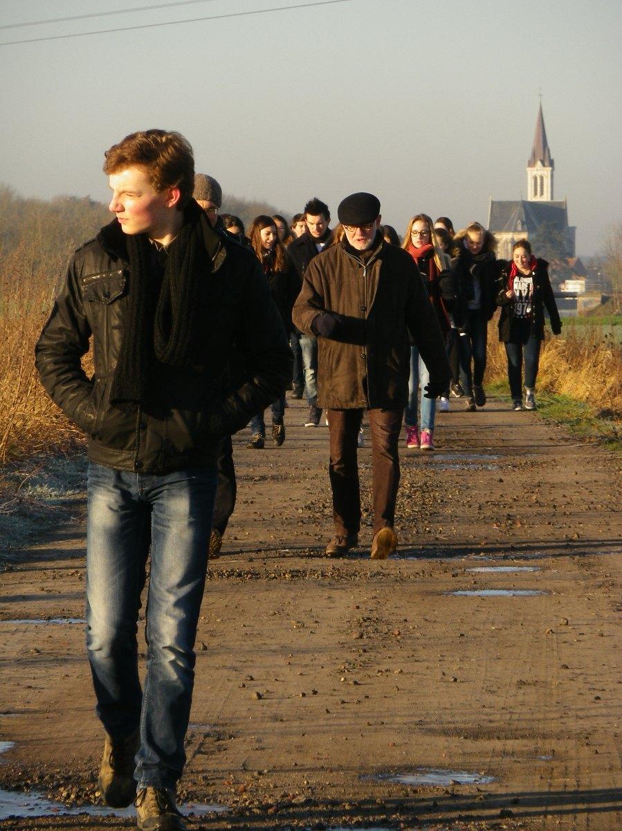 046- Pendant la marche