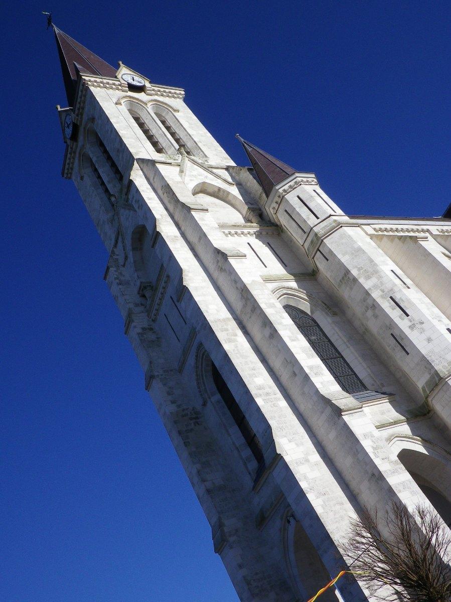 064- Le clocher de Bouvines