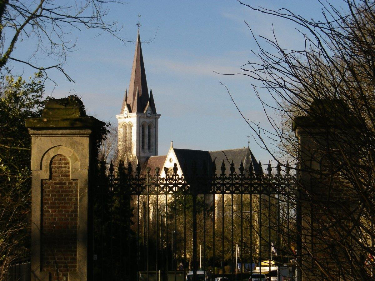 075- Vu du parc du monastere