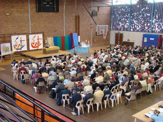 Au moins 330 personnes dans la salle des sports de Marly
