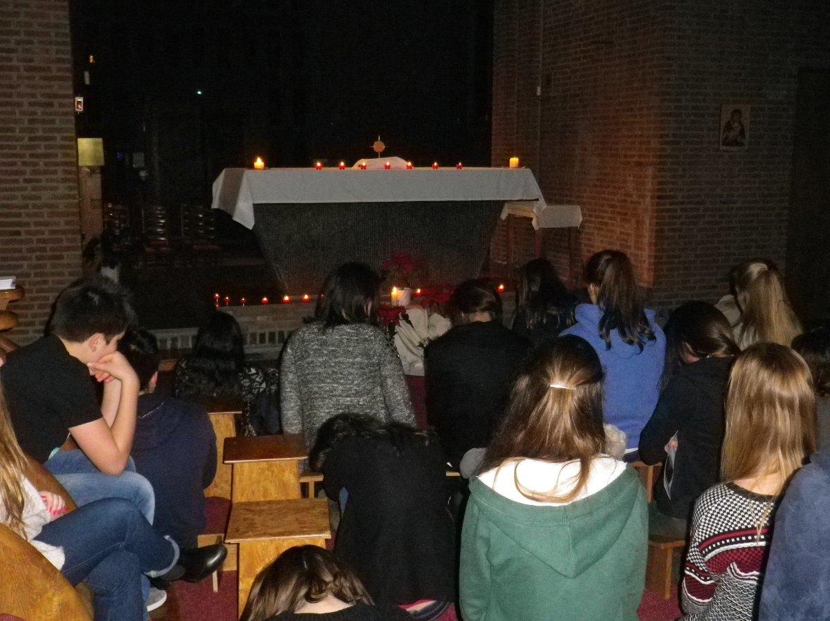 097- Adoration du St Sacrement