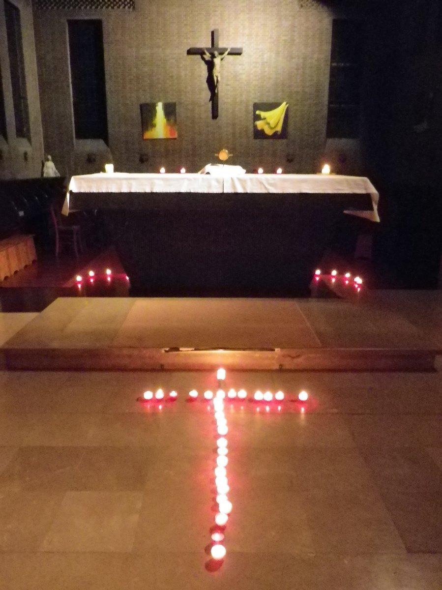106- La croix de lumiere