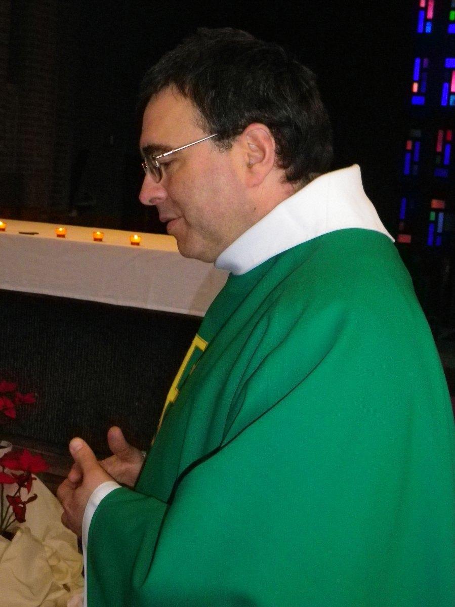 110- Au debut de la messe