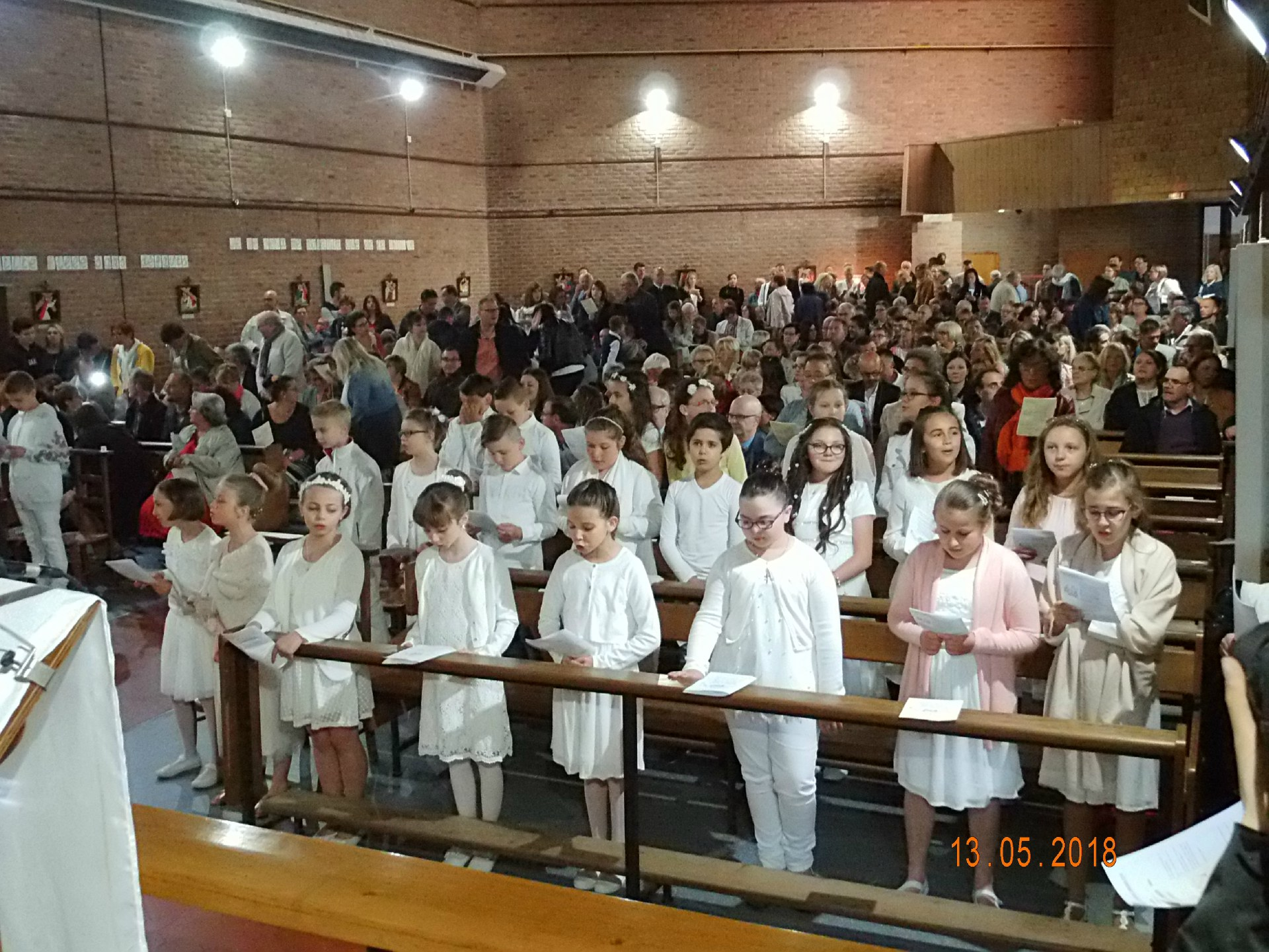13-05-2018-1ere communion (3)