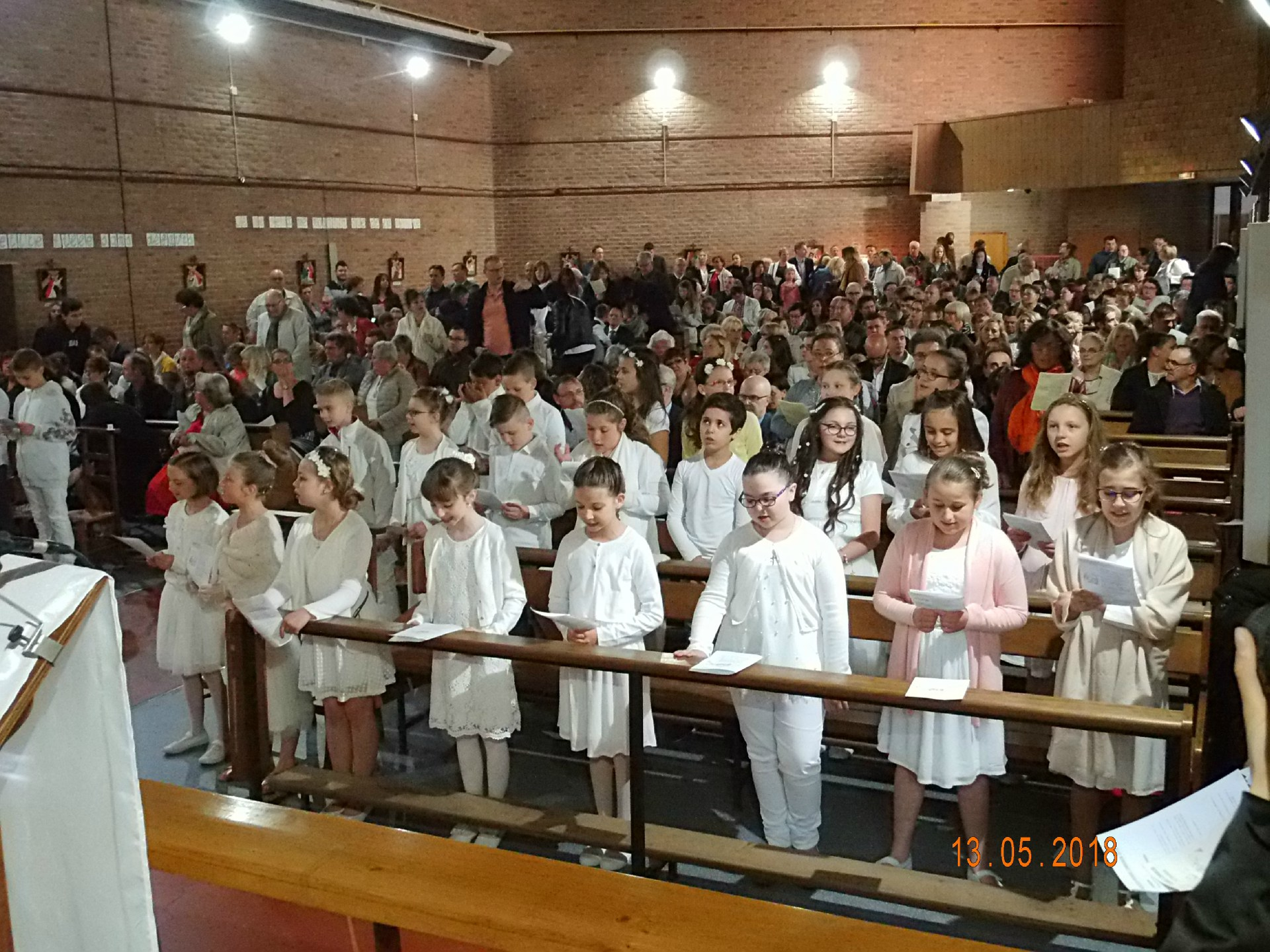 13-05-2018-1ere communion (4)