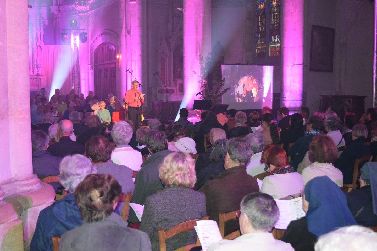 le violet : la couleur épiscopale ... pour Martin, Géry et Saulve !
