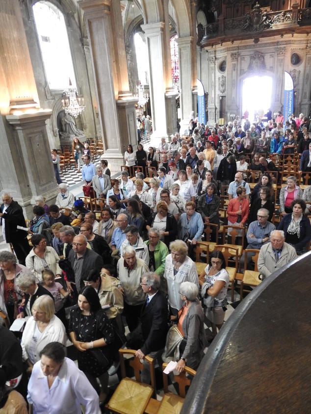 retour de l'icône dans la cathédrale - vénération