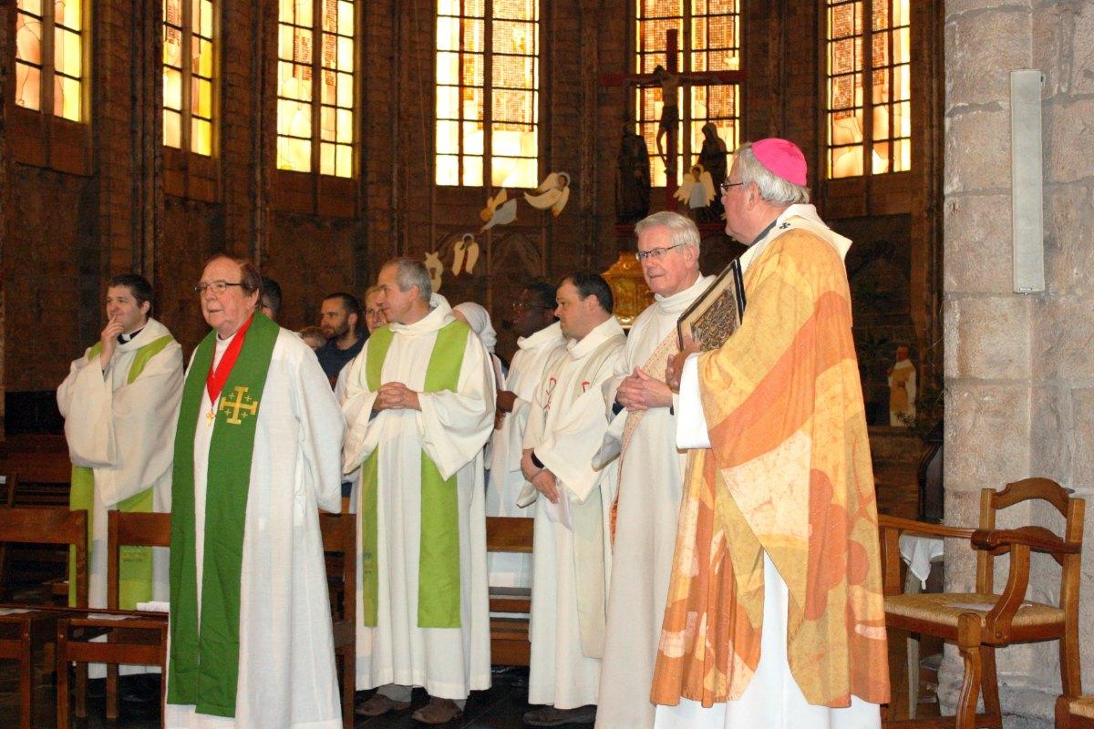 1502_Messe avec les consacrés 15