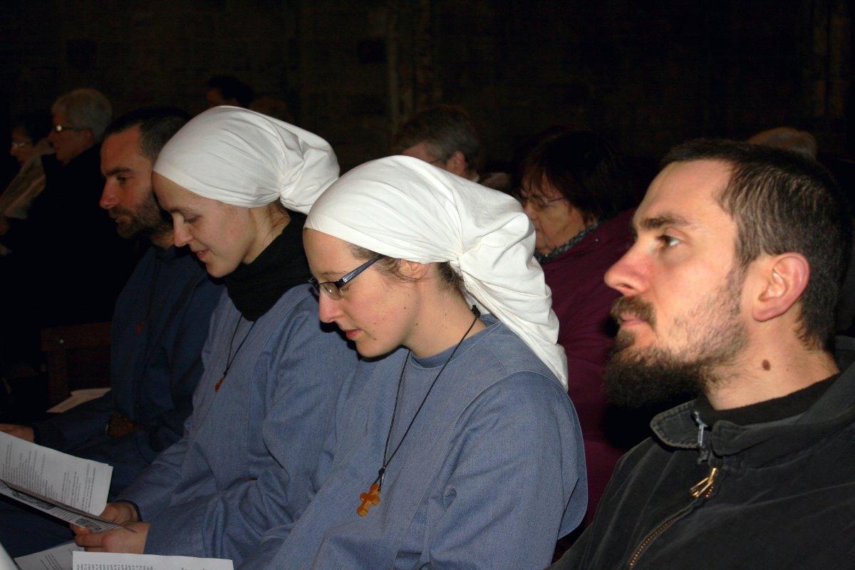1502_Messe avec les consacrés 35