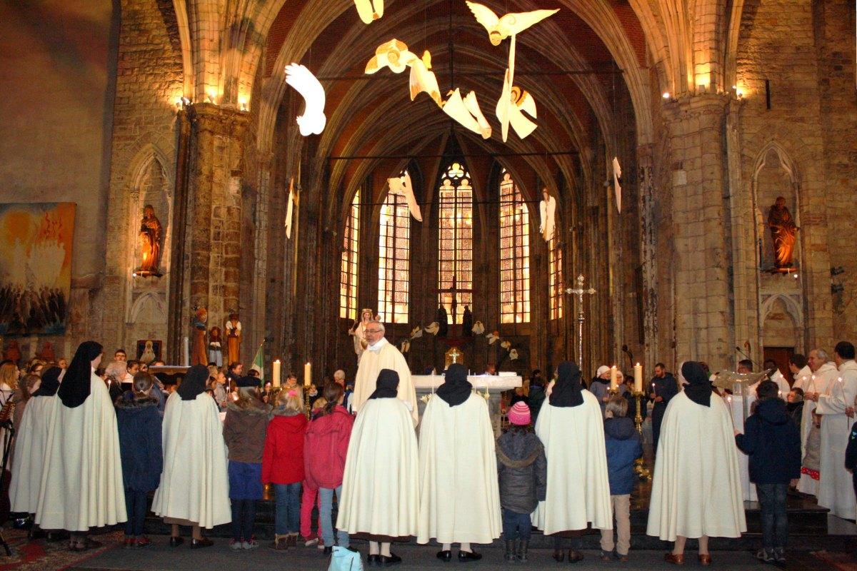 1502_Messe avec les consacrés 43