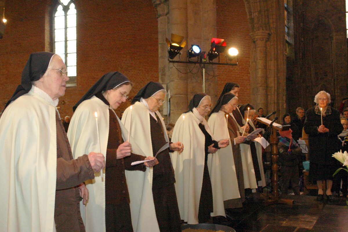 1502_Messe avec les consacrés 48