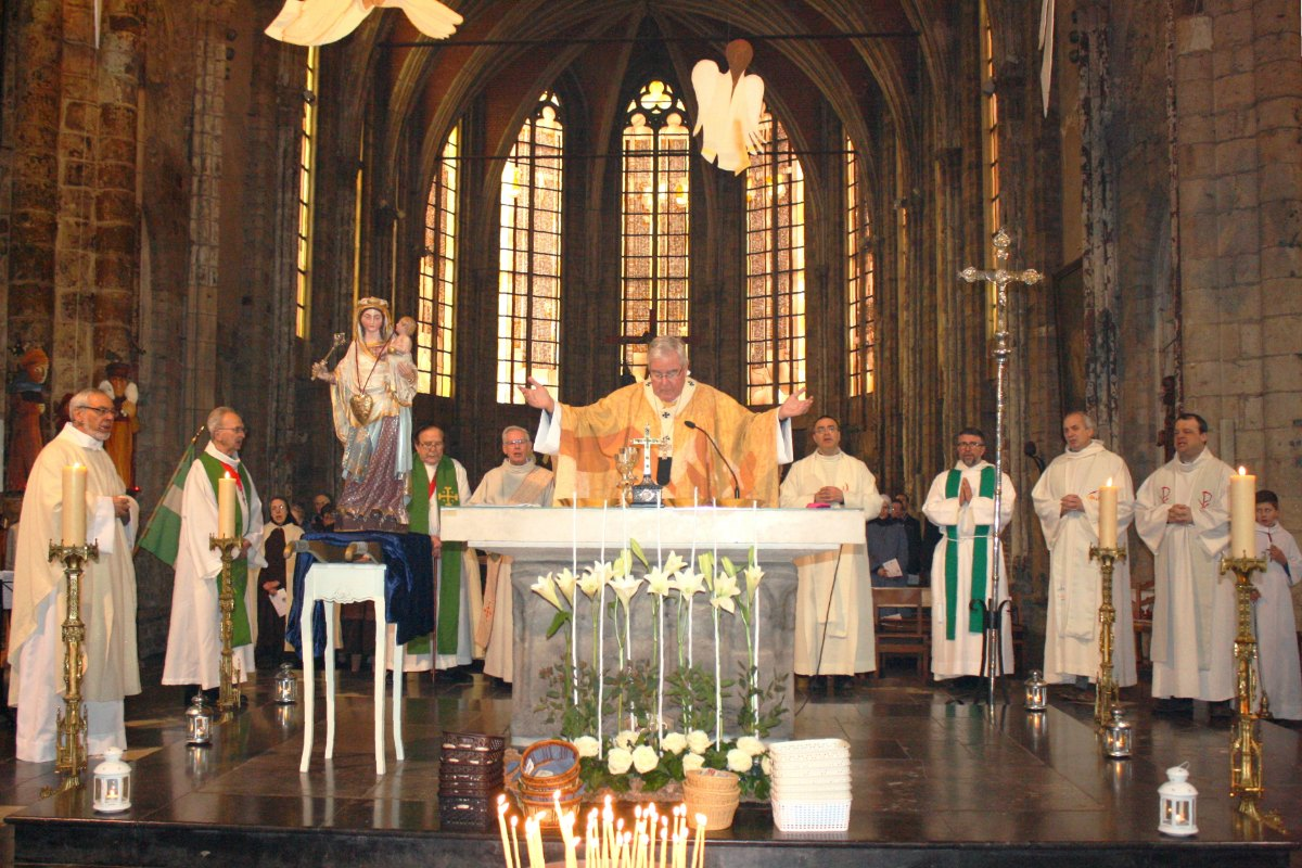 1502_Messe avec les consacrés 61