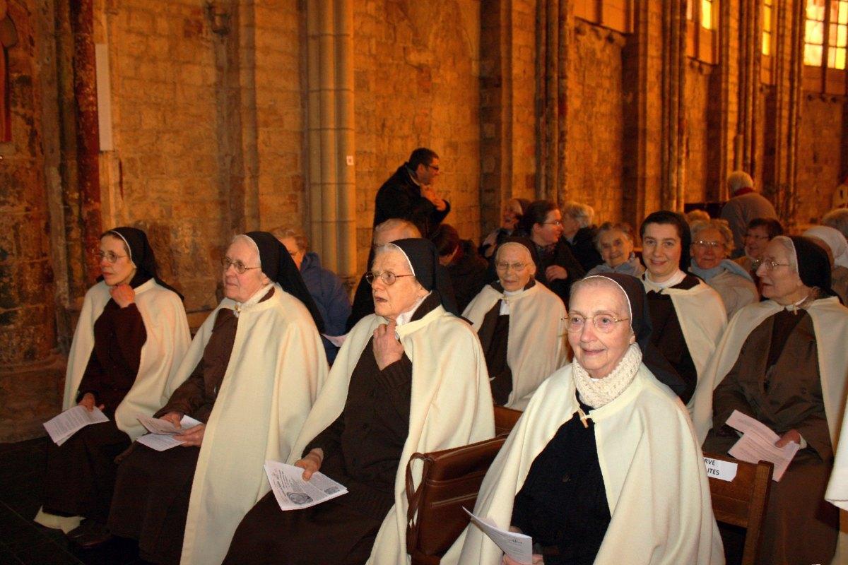 1502_Messe avec les consacrés 2