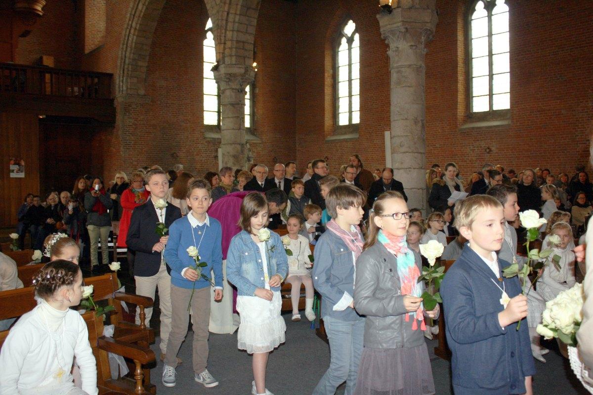 1503_1ères communions (St-Jean) 11