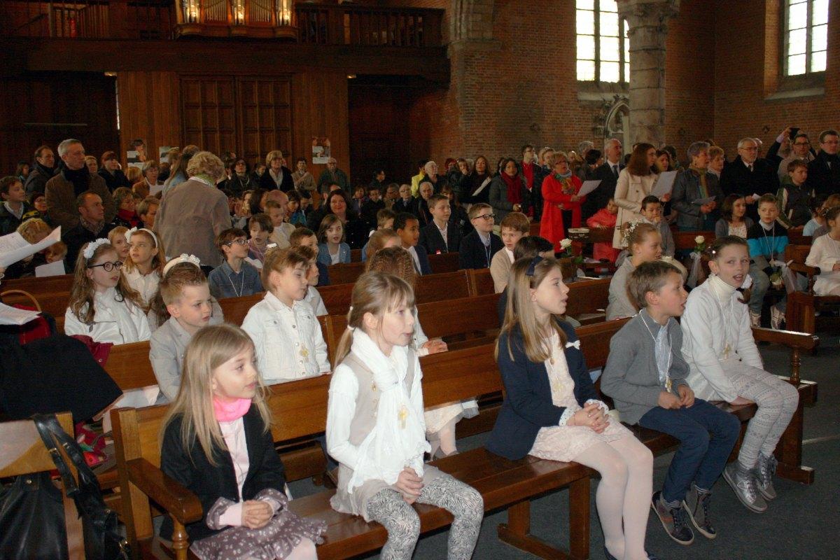 1503_1ères communions (St-Jean) 14