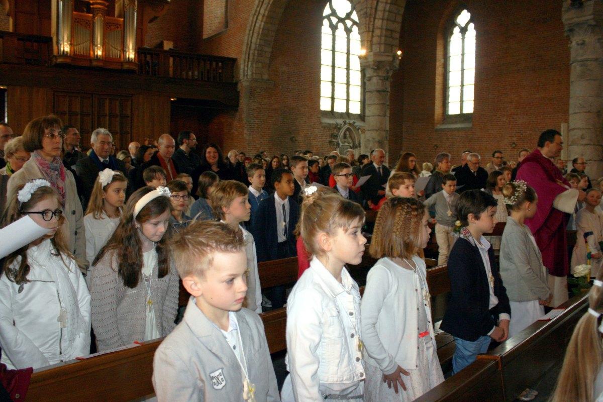 1503_1ères communions (St-Jean) 18