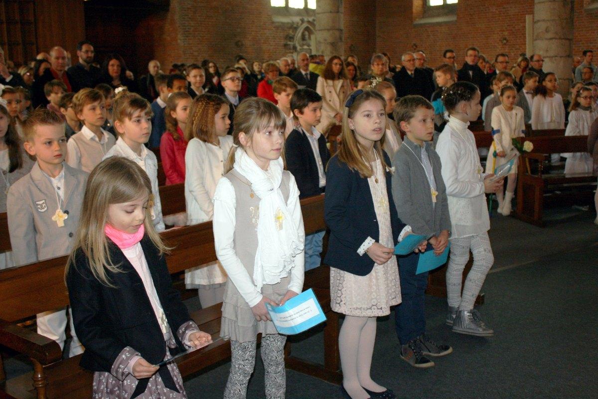 1503_1ères communions (St-Jean) 21