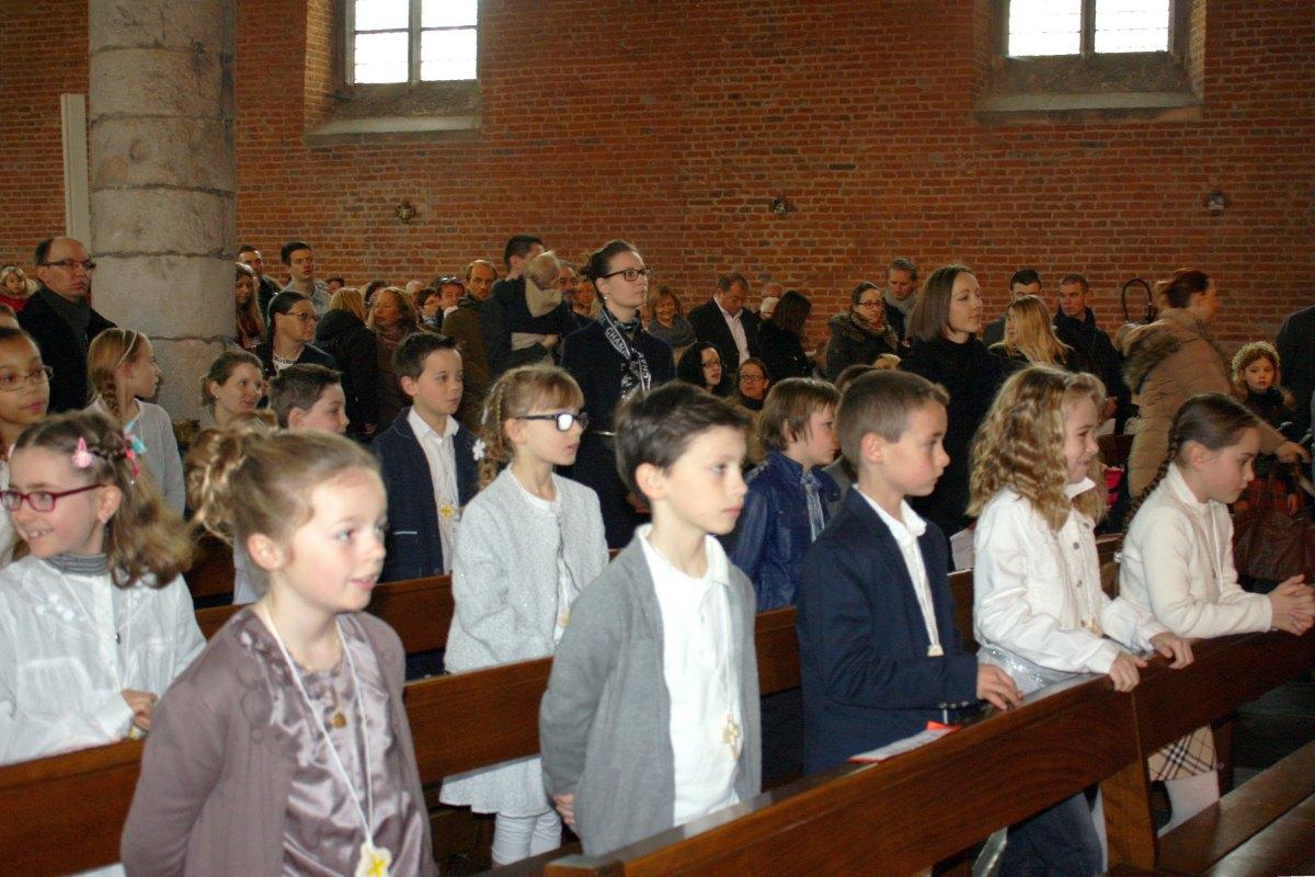 1503_1ères communions (St-Jean) 26