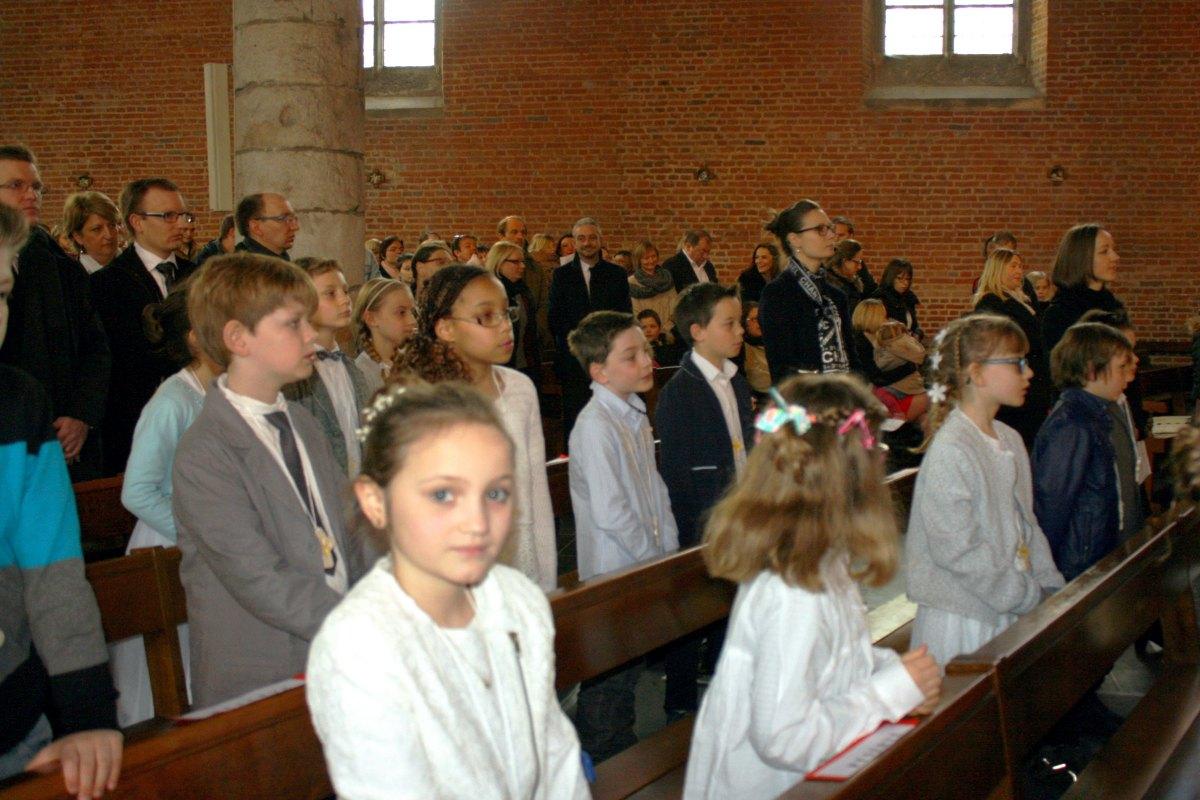 1503_1ères communions (St-Jean) 27