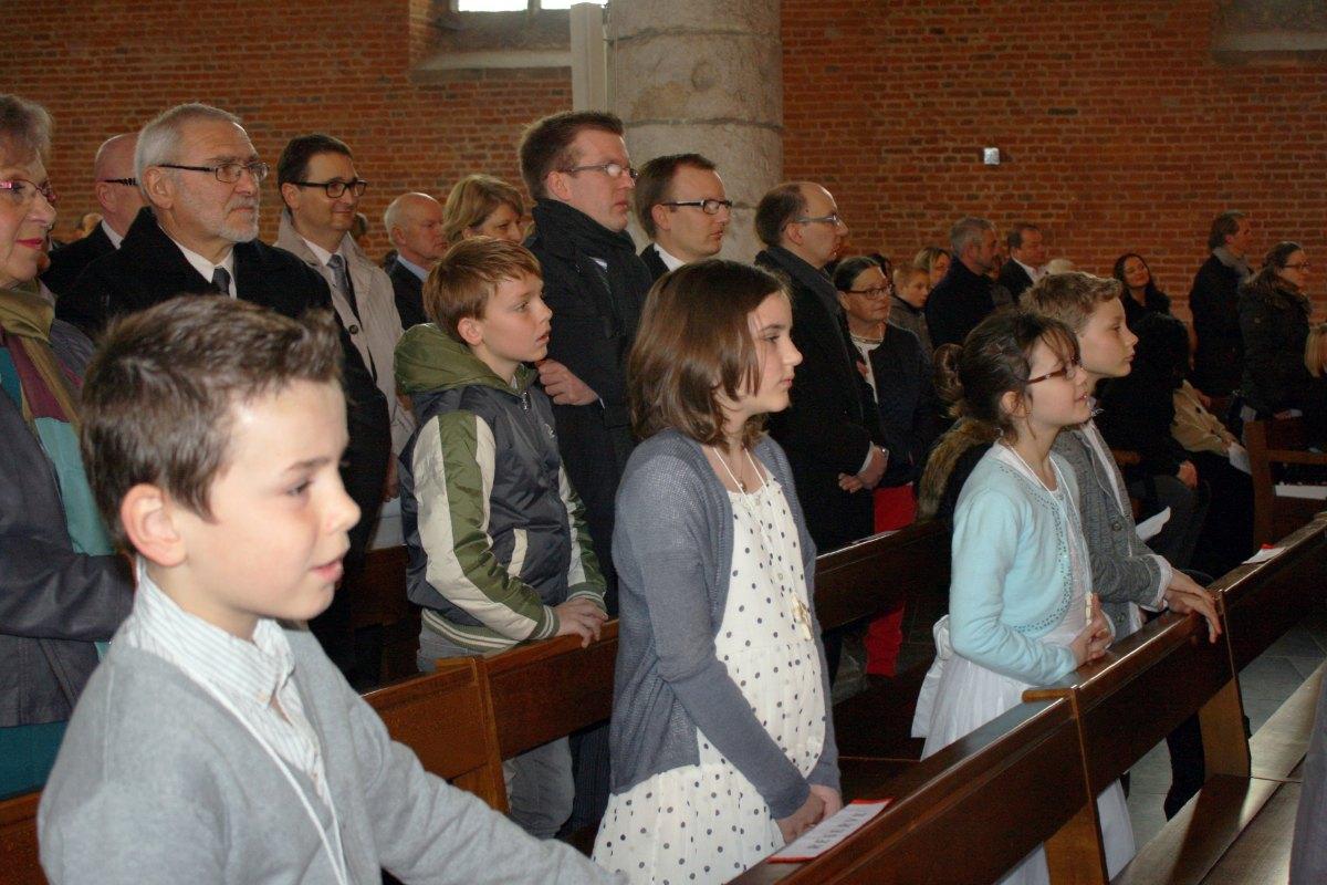 1503_1ères communions (St-Jean) 29
