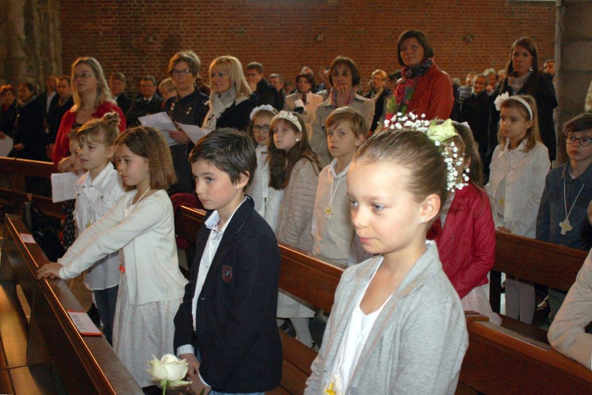 1503_1ères communions (St-Jean) 30