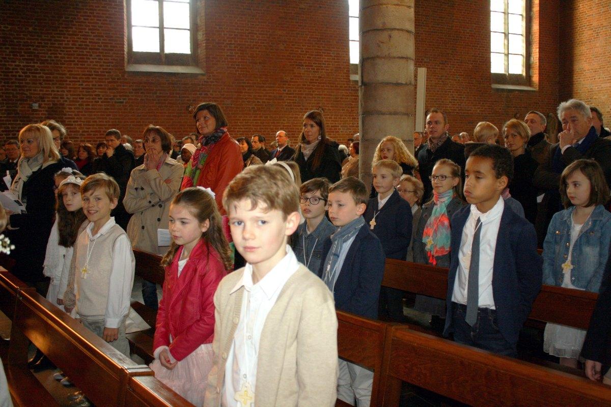 1503_1ères communions (St-Jean) 31