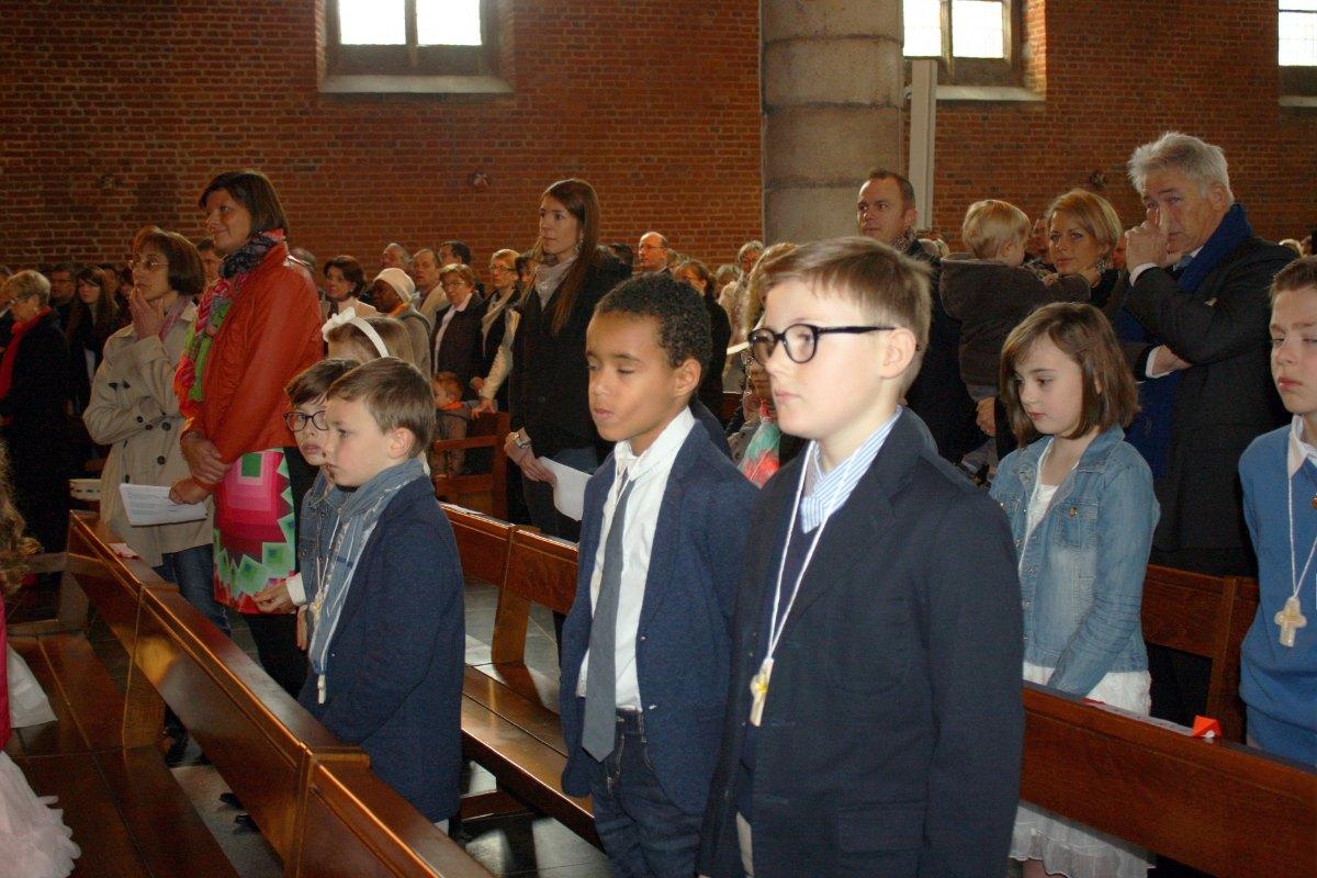 1503_1ères communions (St-Jean) 32
