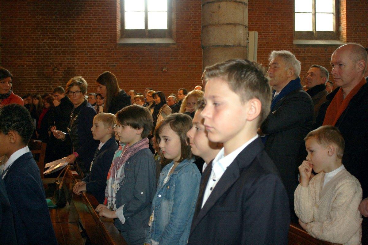 1503_1ères communions (St-Jean) 33