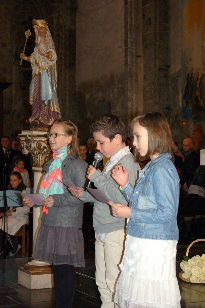 1503_1ères communions (St-Jean) 34