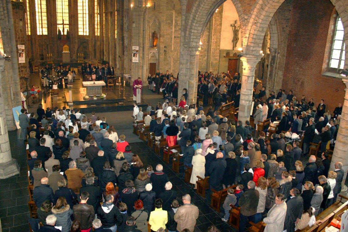 1503_1ères communions (St-Jean) 41