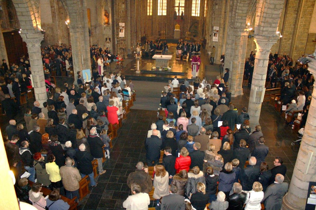 1503_1ères communions (St-Jean) 43