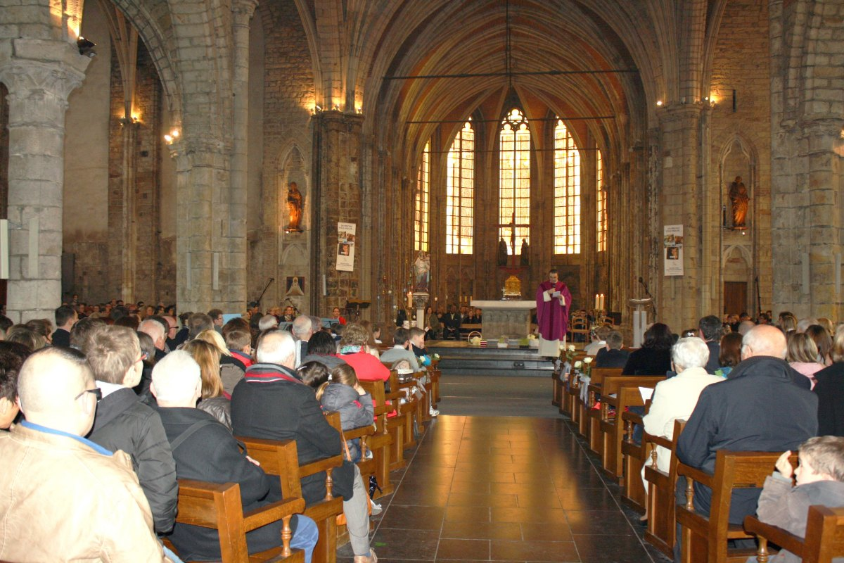 1503_1ères communions (St-Jean) 45