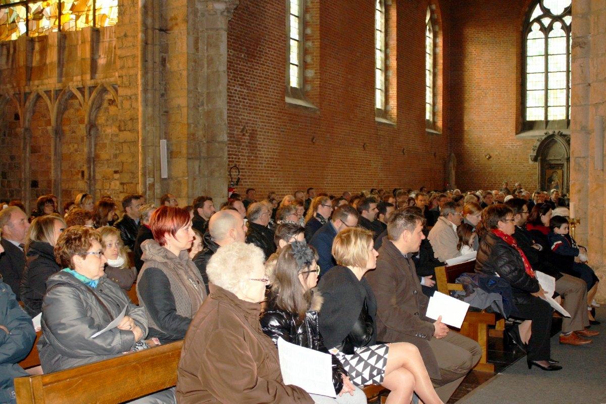 1503_1ères communions (St-Jean) 46