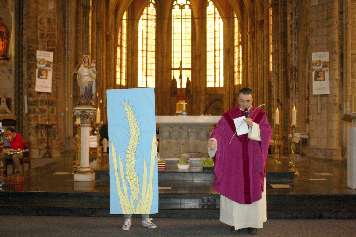 1503_1ères communions (St-Jean) 47