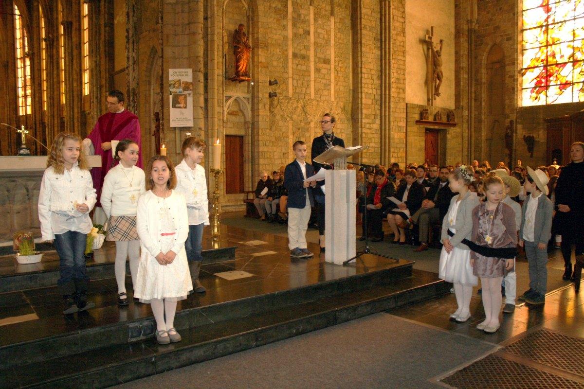 1503_1ères communions (St-Jean) 50