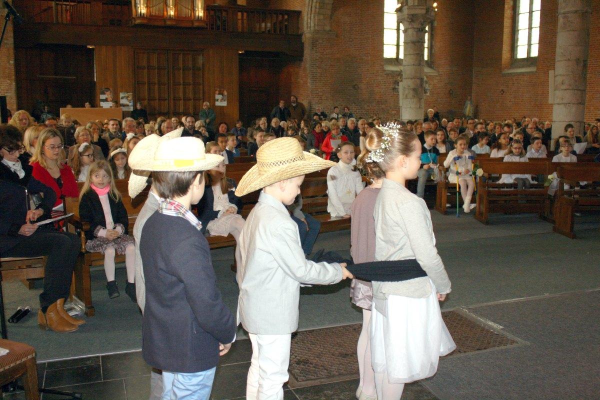 1503_1ères communions (St-Jean) 51