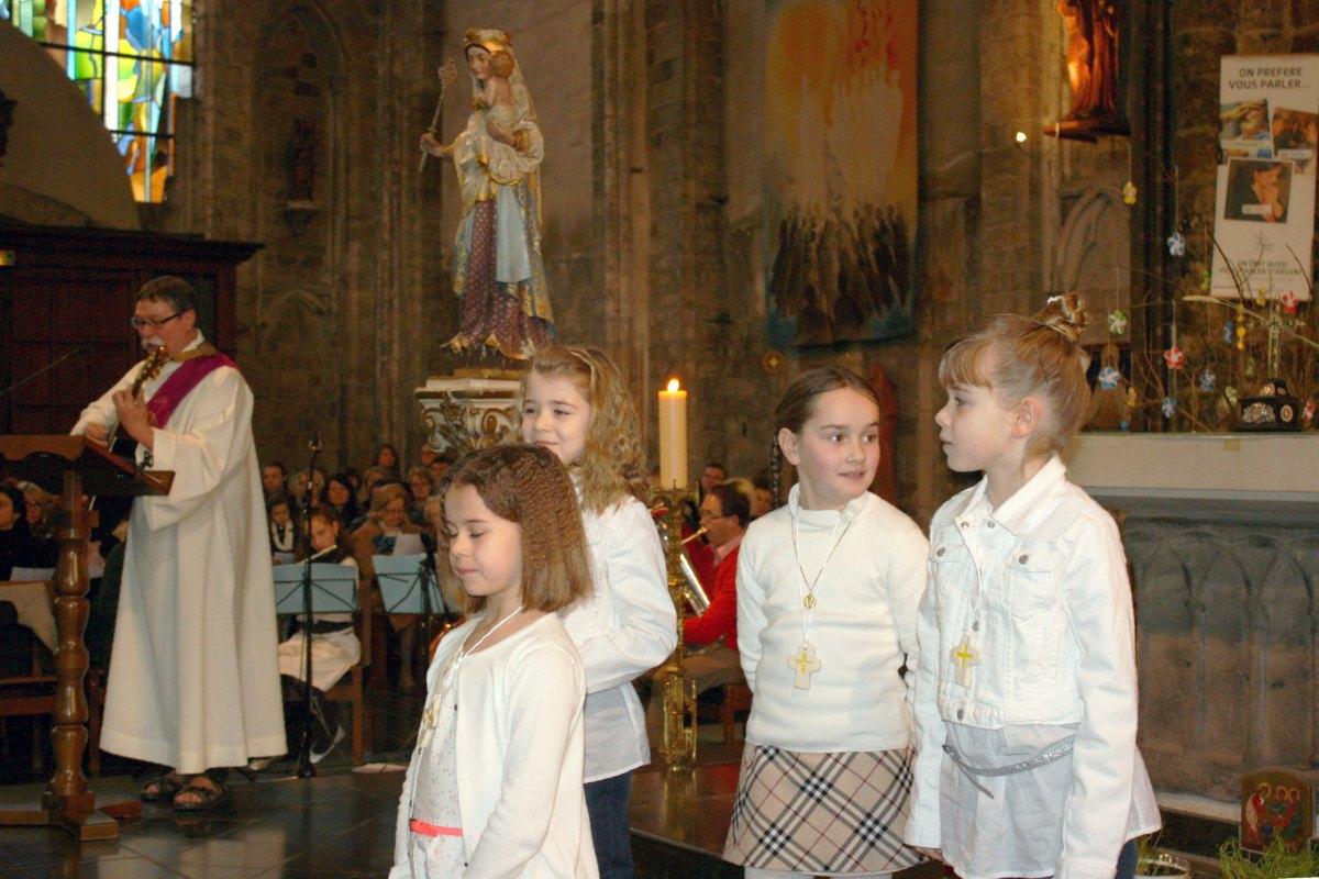 1503_1ères communions (St-Jean) 52