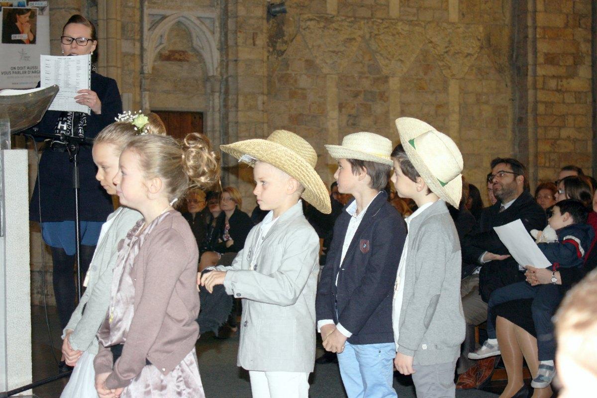 1503_1ères communions (St-Jean) 54