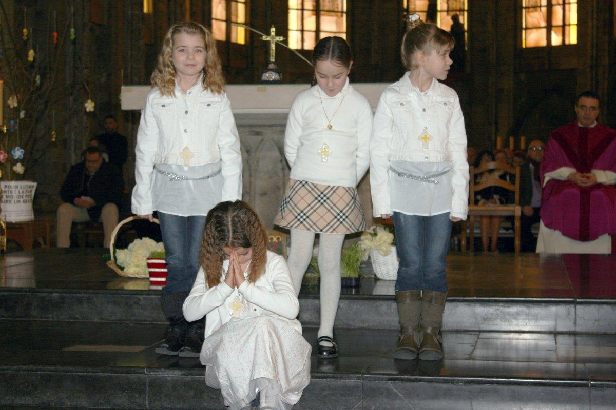 1503_1ères communions (St-Jean) 55