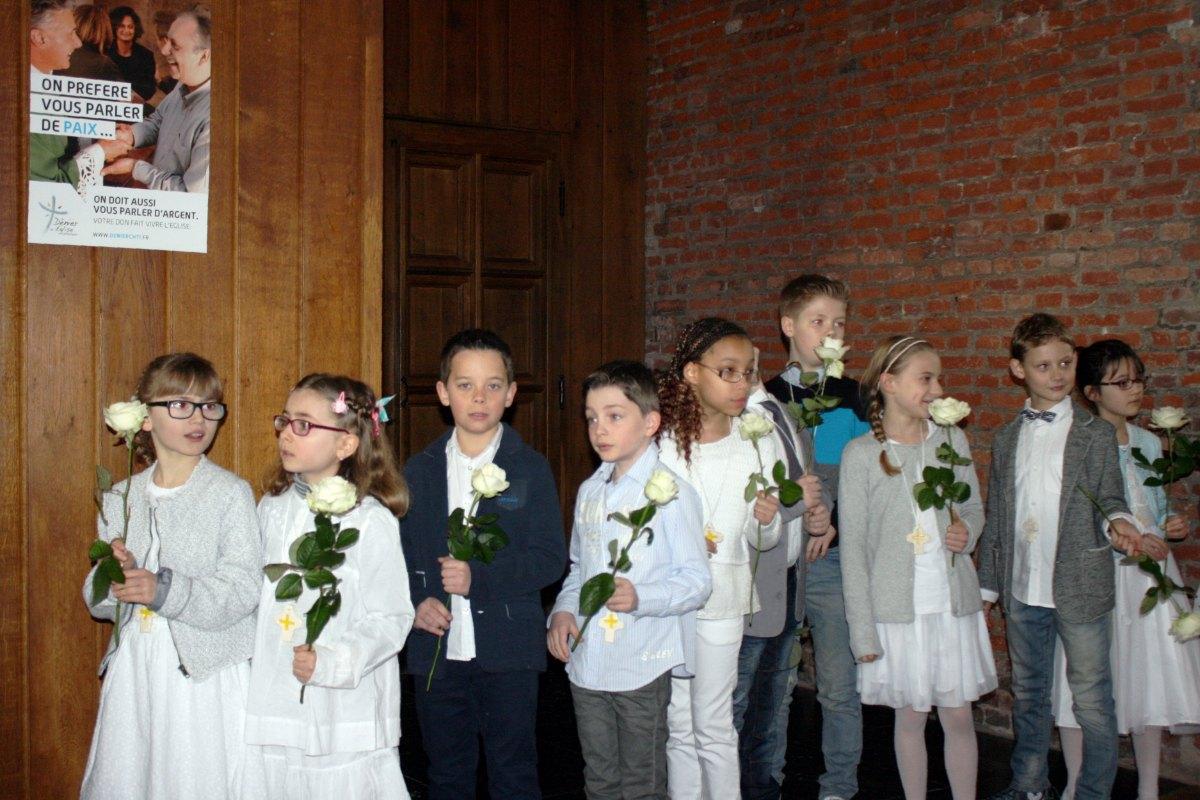 1503_1ères communions (St-Jean) 3