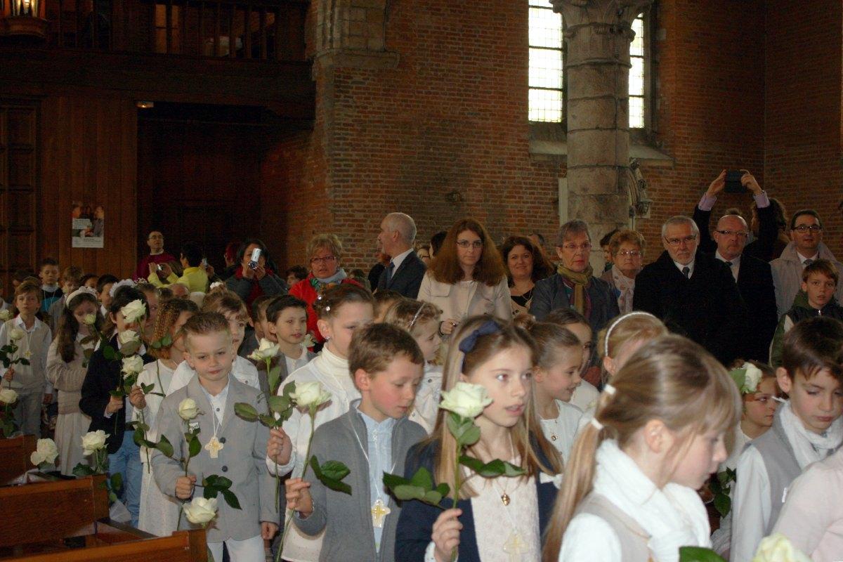 1503_1ères communions (St-Jean) 7