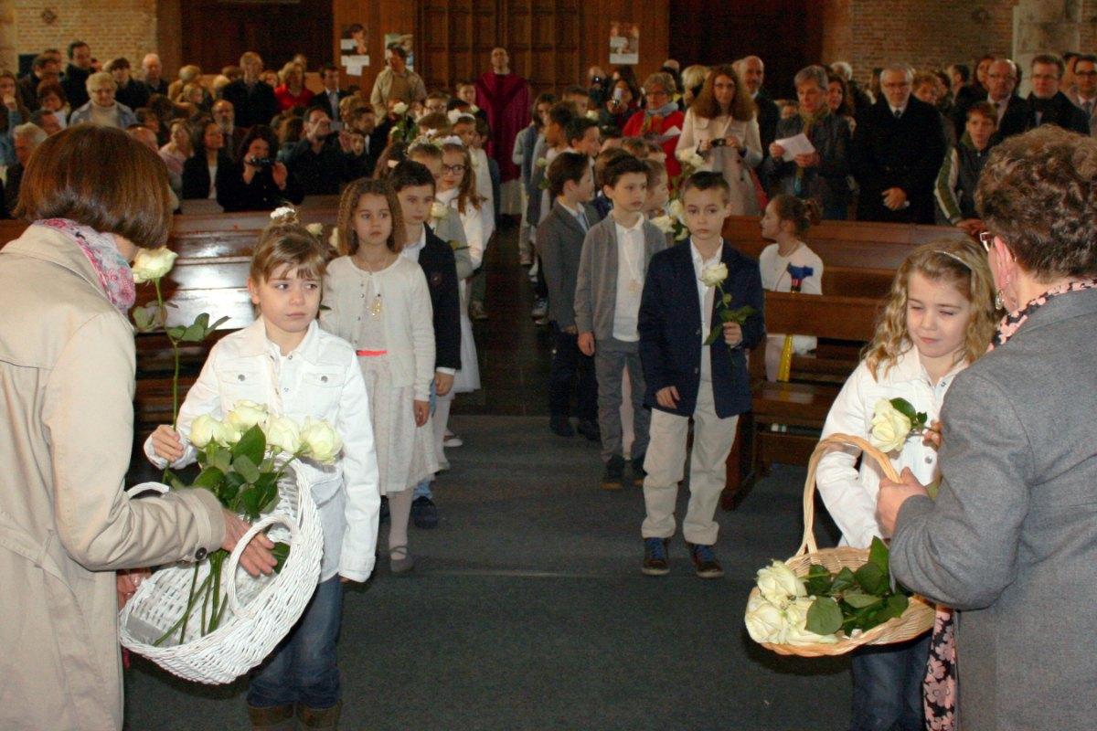 1503_1ères communions (St-Jean) 9