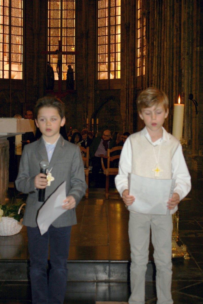 1503_1ères communions (St-Jean) 67