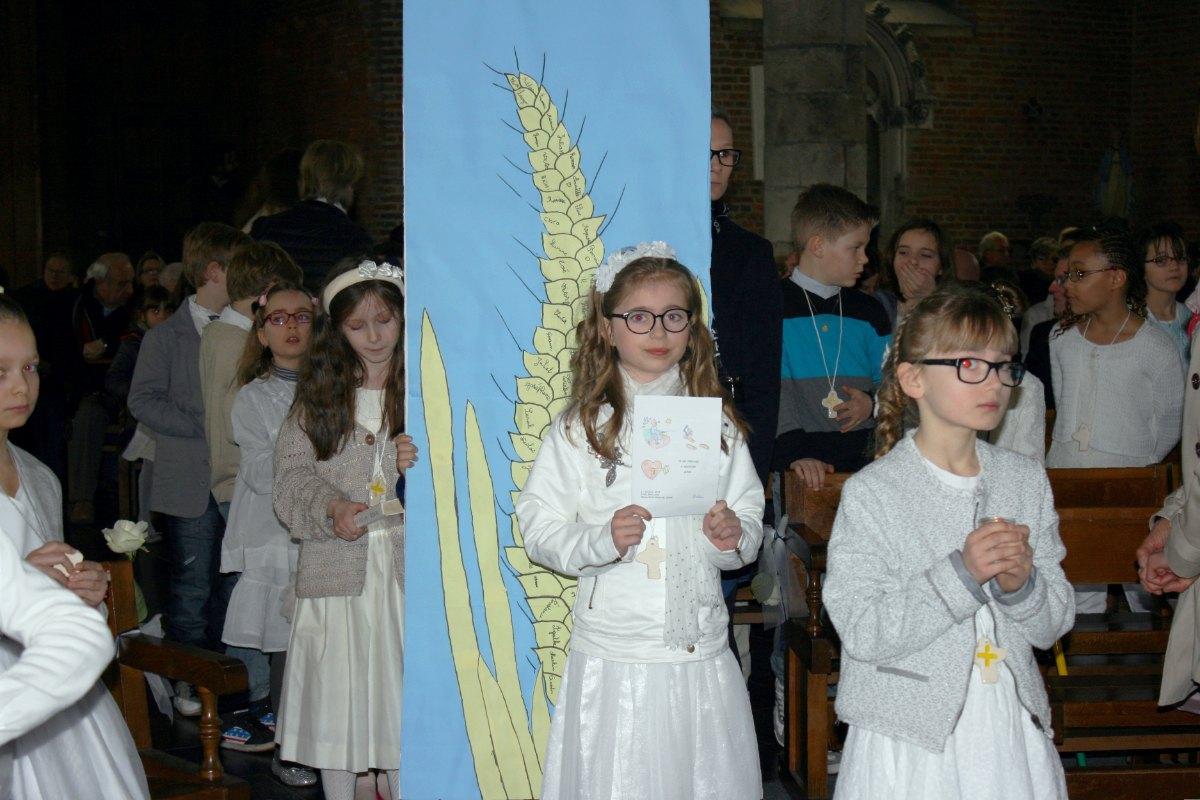 1503_1ères communions (St-Jean) 68